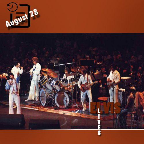 الویس در سامت هوستون، تگزاس چنین روزی 28 آگوست 1976