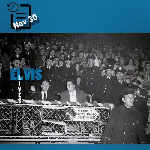 الویس در حال دیدن بازی فوتبال یادمان کرامپ در شهر ممفیس چنین روزی 30 نوامبر 1956