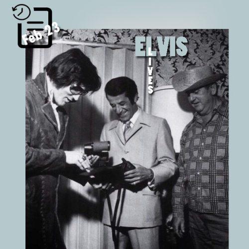 الویس در پایان اجراهایش در لاس و گاس چنین روزی 23 فوریه 1972