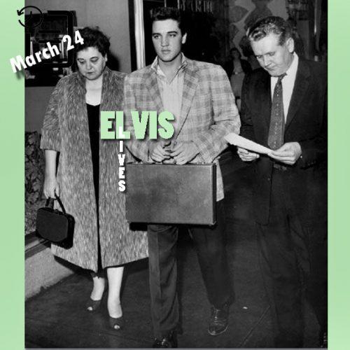 الویس به همراه پدر و مادرش 24 مارس 1958