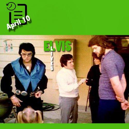 الویس در حال نگاه کردن به لیزا ماری که در جستجوی تخم مرغهای روز عید پاک میباشد در روز بعد در پالم اسپرینگز به تاریخ 11 آوریل 1971