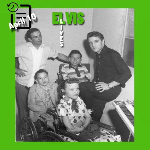 الویس در پشت صحنه Fair Park Auditorium، شهر لاباک تگزاس چنین روزی 10 آوریل 1956