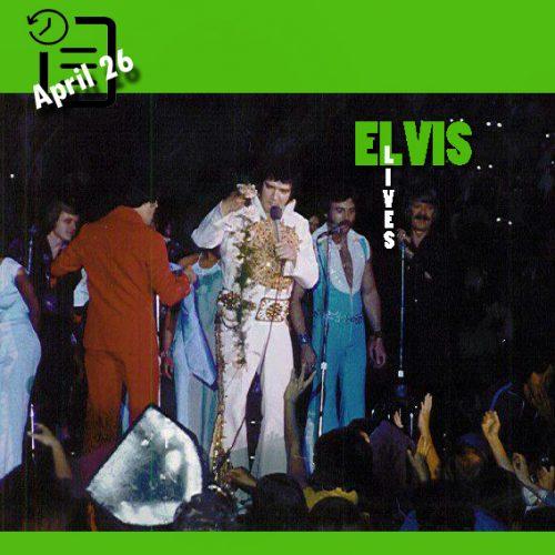 الویس در ورزشگاه وینگز، شهر کالامزو میشیگان چنین روزی 26 آوریل 1977
